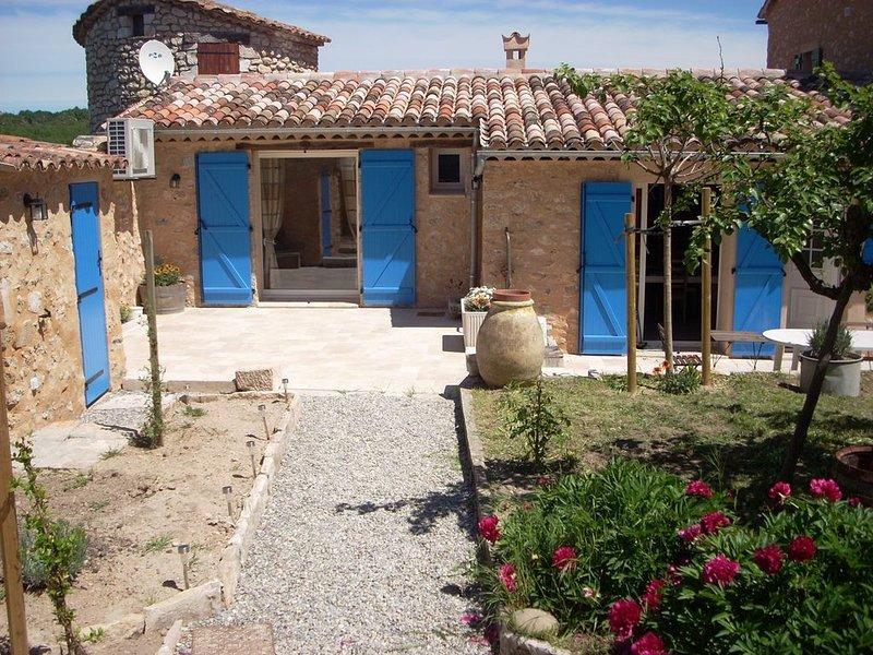 Jolie villa au coeur du village, location de vacances à Montmeyan