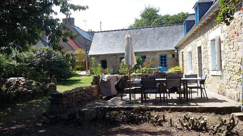 Port Blanc maison en pierre  à 300 m des plages et école de voile, alquiler vacacional en Penvenan