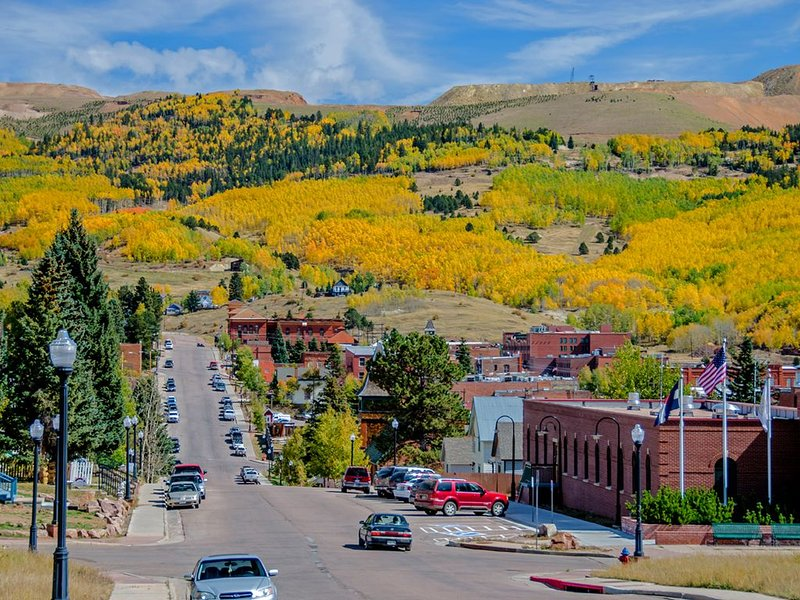 Down Town in the Heart of Cripple Creek National Historic District Bishops Cabin, holiday rental in Cripple Creek