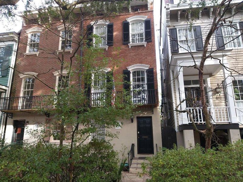 Private Refuge & courtyard. The Sarah Elizabeth House. Flexible rental policy, alquiler de vacaciones en Savannah