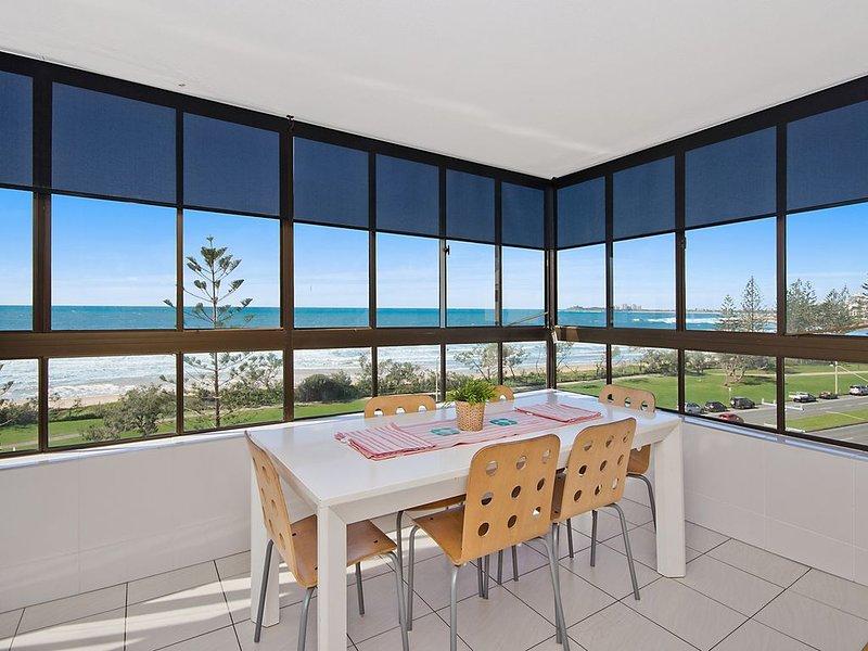 9 Shara - Ocean Views, casa vacanza a Alexandra Headland