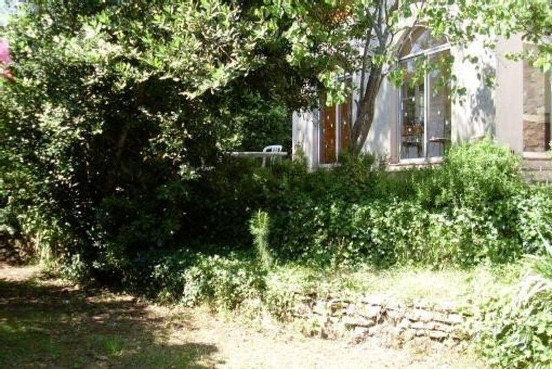 Bas de villa avec jardin a 350 m de la mer st aygulf, alquiler de vacaciones en Fréjus