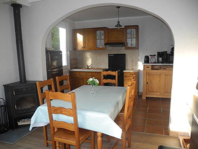 maison 300m de la mer 25 min côte de granit rose, vacation rental in Tredrez-Locquemeau
