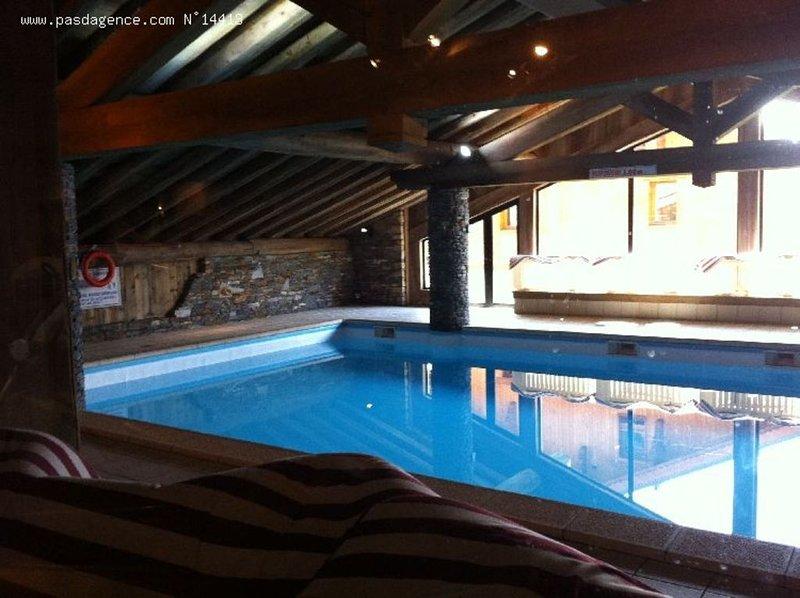 Vos vacances au ski ,skis aux pieds , piscine sauna et hammam compris  !, aluguéis de temporada em Les Menuires