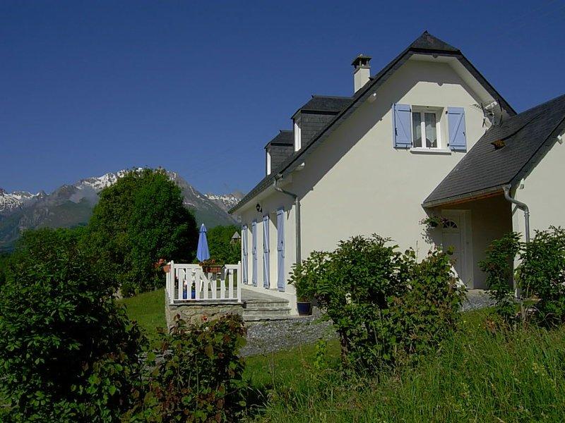 Gîte nature, maison calme et de tout confort au coeur du Val d'Azun, holiday rental in Aucun