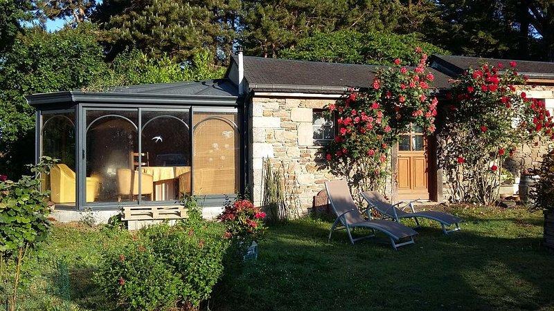 Chambre, Jacuzzi, Table d'hôtes sur réservation, vacation rental in Ploumilliau
