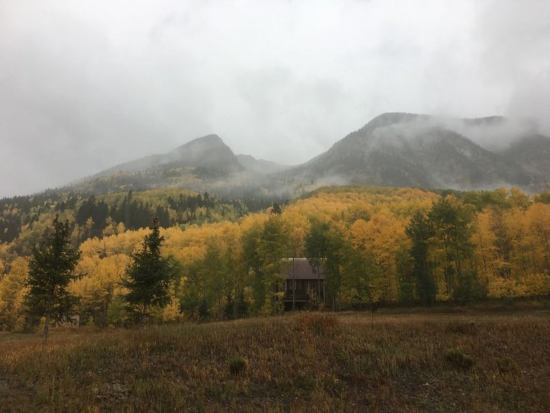 Unique Mountain Home - outdoor enthusiasts dream! SKI ON-SITE!, vacation rental in Redstone