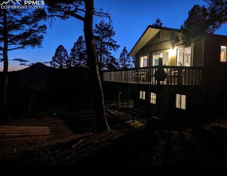 Mountain Retreat with Amazing Views, holiday rental in Lake George
