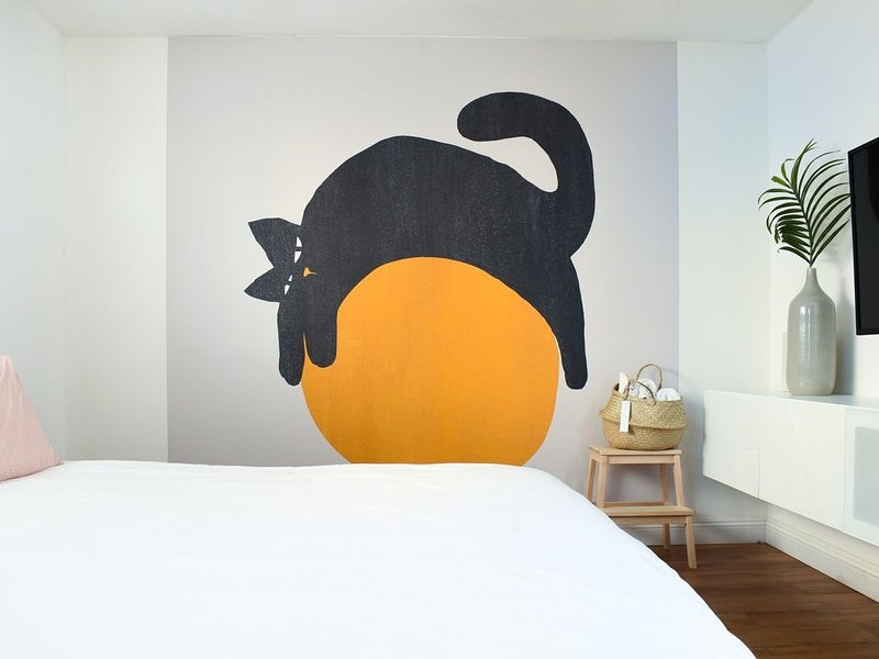 Stylish Bedroom Near South Coast, OC Observatory and the Beach - Free Parking, aluguéis de temporada em Westminster