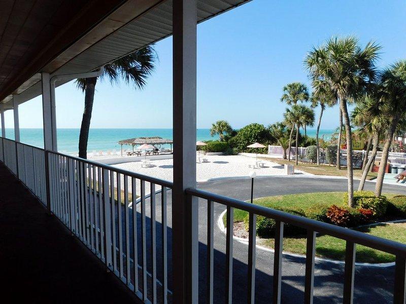 Gulf Beach Resort 105A- Standard Studio, vacation rental in Lido Key