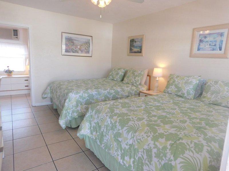 Gulf Beach Resort 313- Deluxe Studio, vacation rental in Lido Key