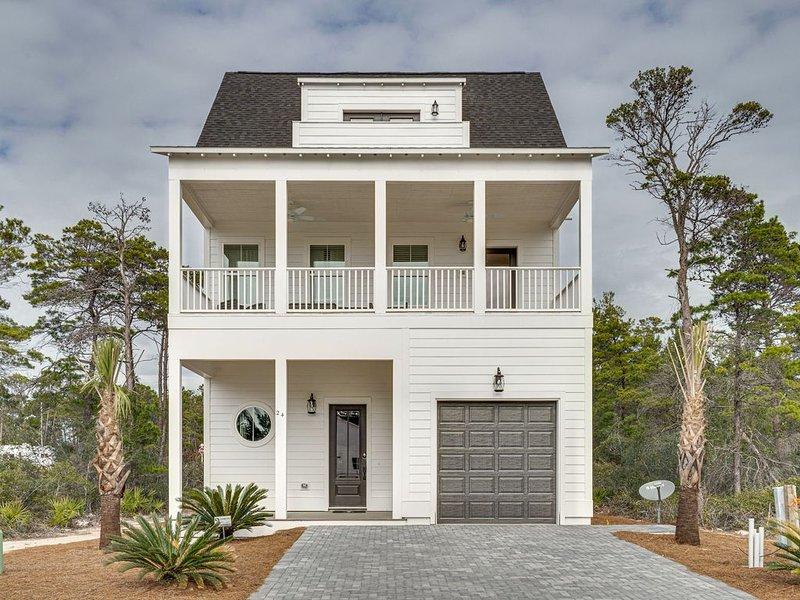 Nacho Beach House! BRAND NEW HOME! Gorgeous Inlet Beach Home Near Beach Access, alquiler de vacaciones en Ebro