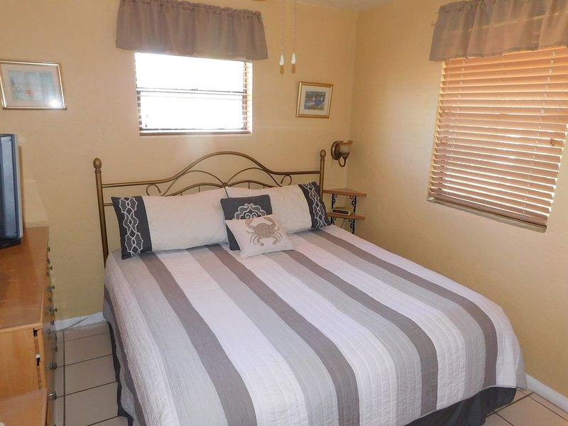 Gulf Beach Resort 310- One Bedroom, vacation rental in Lido Key
