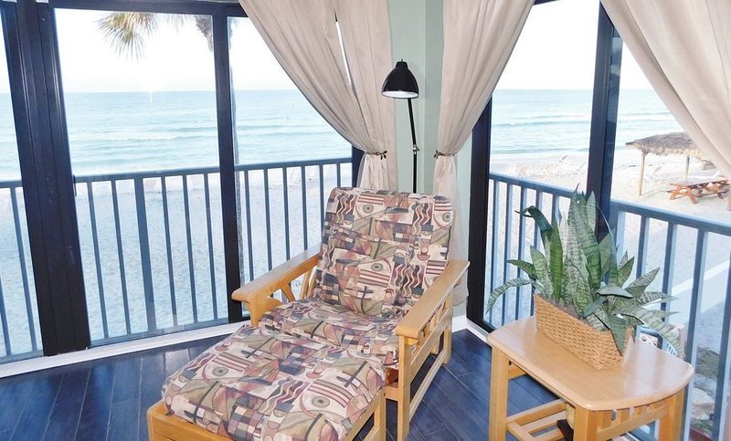 Gulf Beach Resort 319- One Bedroom Gulf Front Unit, vacation rental in Lido Key