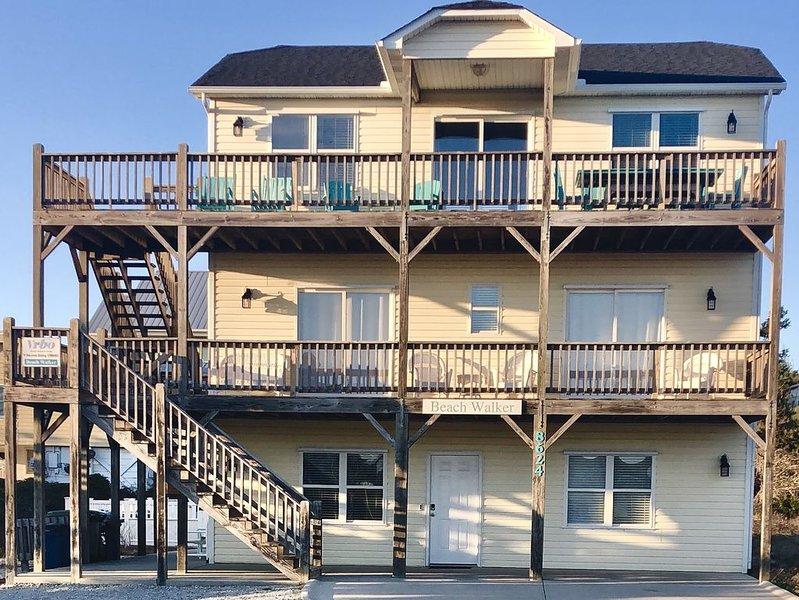 Ocean Views, EASY beach access, private pool, sleeps 15, & pet friendly, alquiler de vacaciones en Emerald Isle