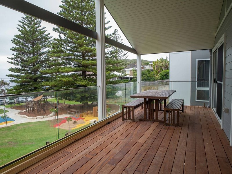 Swells - Beach Front, holiday rental in Macmasters Beach