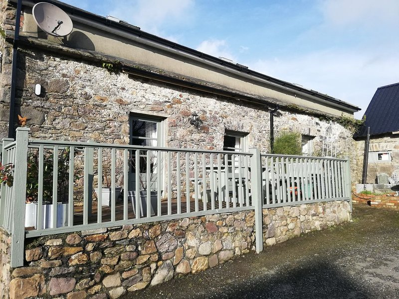 Old stone cottage situated between waterford Cork Dublin n25, location de vacances à Waterford