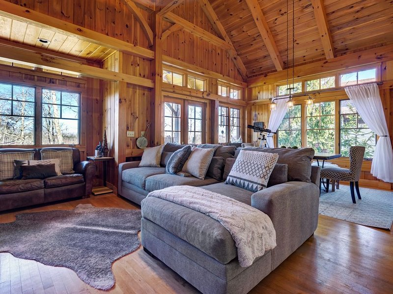 Peaceful Chalet at Trillium Lakes & Links/ Best Bedding Comfort/ 5 Star Reviews, casa vacanza a Cashiers