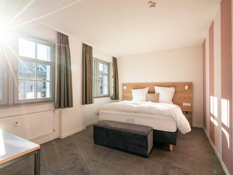 Doppelzimmer M mit Dusche und WC, vacation rental in Saig