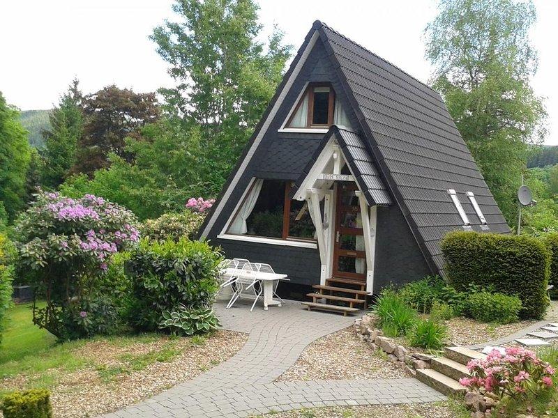 Haus Nr. 16, 72qm, 2 Schlafzimmer, max. 6 Personen, aluguéis de temporada em Niederhelden