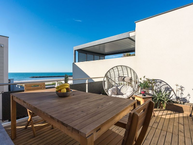 ARES - Vue Mer - Accès direct plage, holiday rental in La Tamarissiere
