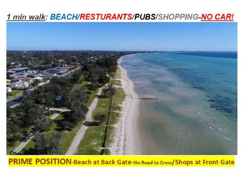 932 ON THE BEACH-30 sec walk Beach/Pubs,Cafes, Shops * Front Door, vacation rental in McCrae