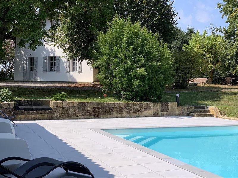 Maison de campagne avec piscine au sud des Landes, location de vacances à Sort-en-Chalosse
