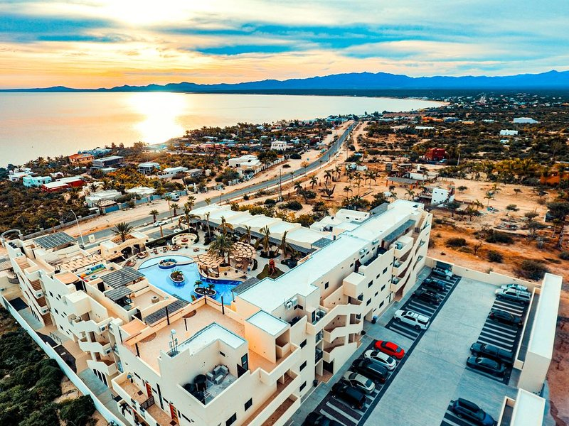 Club Cerralvo POOL KITEBOARD La Ventana 1BED SUITE, holiday rental in El Sargento