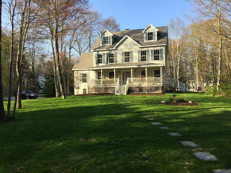 Beautiful Home just minutes from Kennebunkport center and Goose Rocks Beach., vacation rental in Kennebunkport