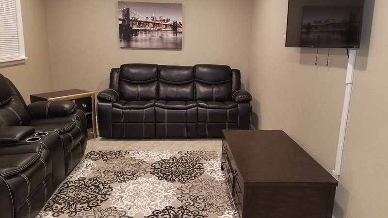 Erie drive guest house, holiday rental in Odessa