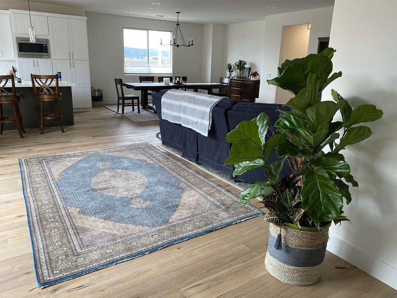 Lovely New Home in San Luis Obispo.  Great location., location de vacances à San Luis Obispo