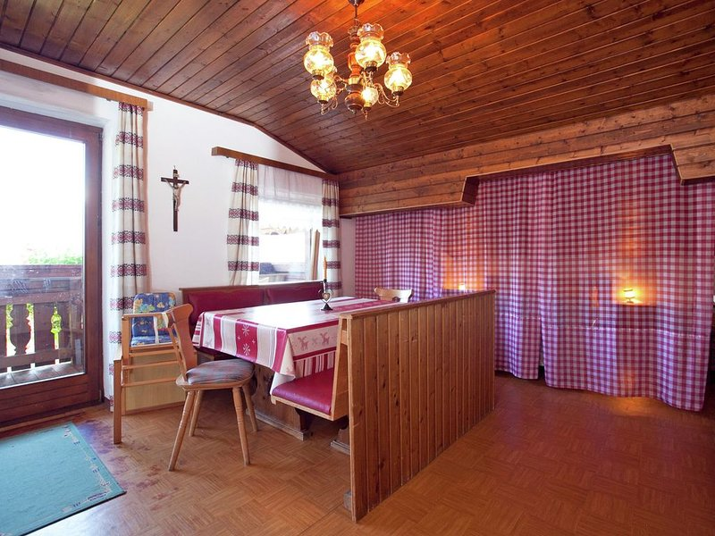 Cozy Holiday Home in Sankt Johann im Pongau with Garden, vacation rental in Wagrain