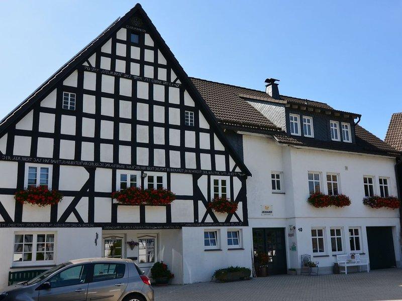 Cozy Apartment with Terrace in Herhagen, aluguéis de temporada em Westernboedefeld