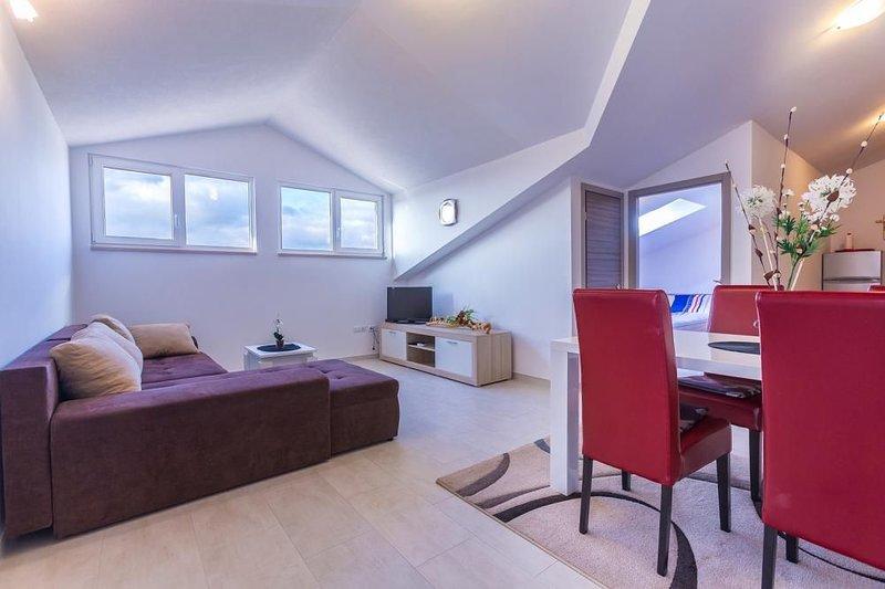 Istriensonne is0145 Maritea I - Ferienwohnung mit großer Dachterrasse und herrli, location de vacances à Medulin