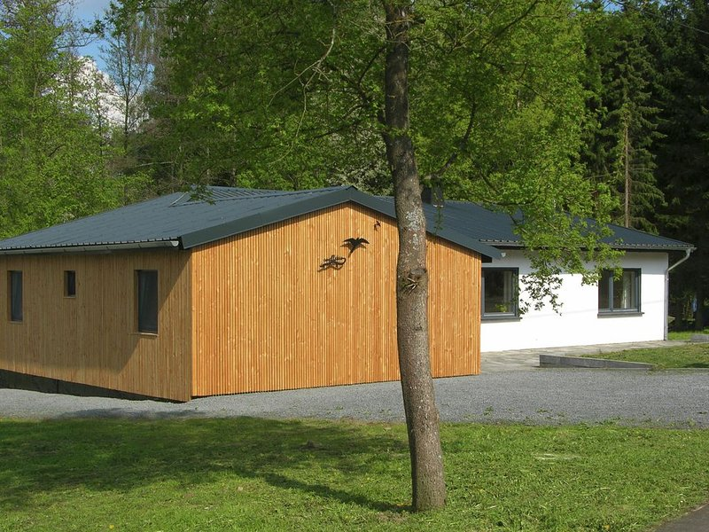 Gorgeous holiday home in Bodenbach Eifel with garden, holiday rental in Wimbach