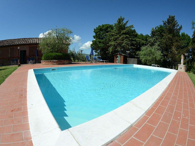 Cozy Holiday Home in Peccioli with Swimming Pool, casa vacanza a Peccioli
