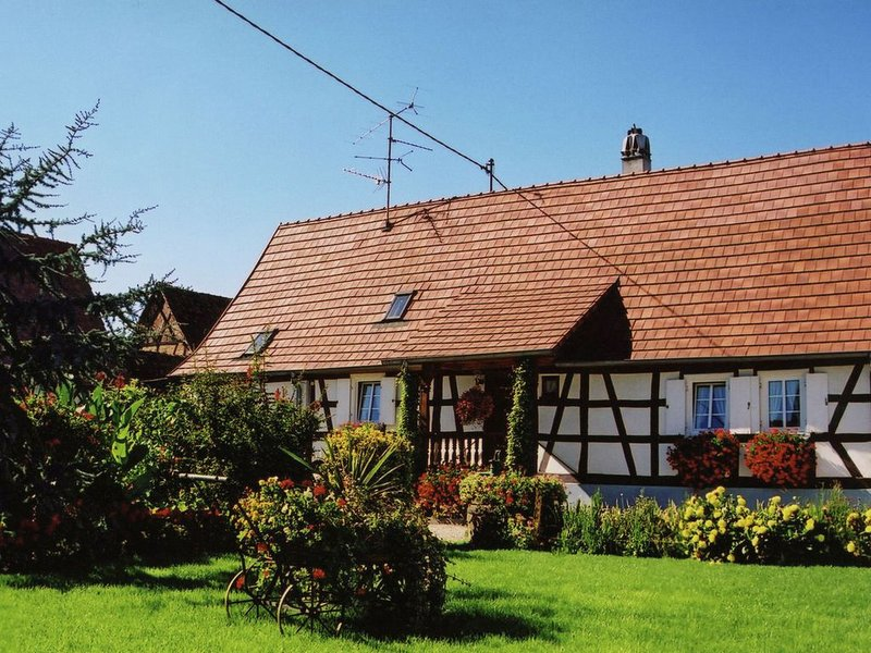 Cozy Holiday Home in Schleithal with Garden, holiday rental in Schweigen-Rechtenbach