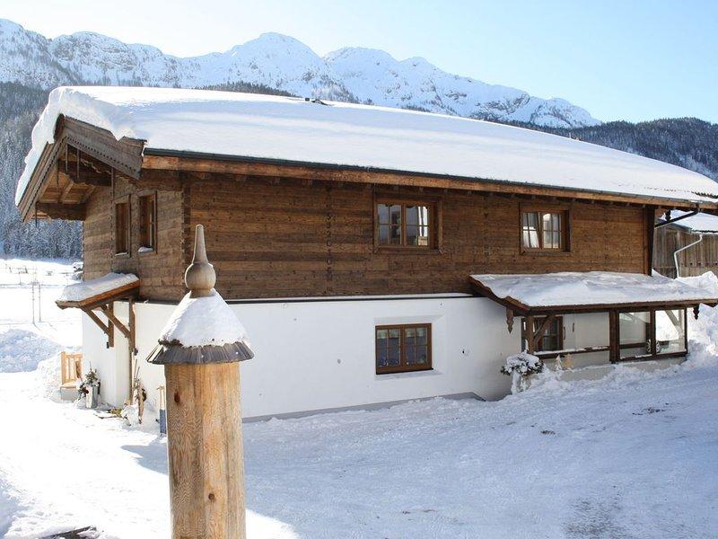 Comfortable Cottage near Ski Area in Leogang, alquiler de vacaciones en Sankt Martin bei Lofer