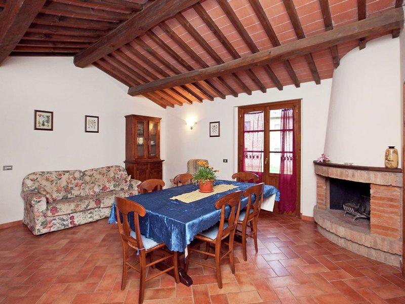 Spacious Holiday Home in Bucine with Private Pool, alquiler de vacaciones en Bucine