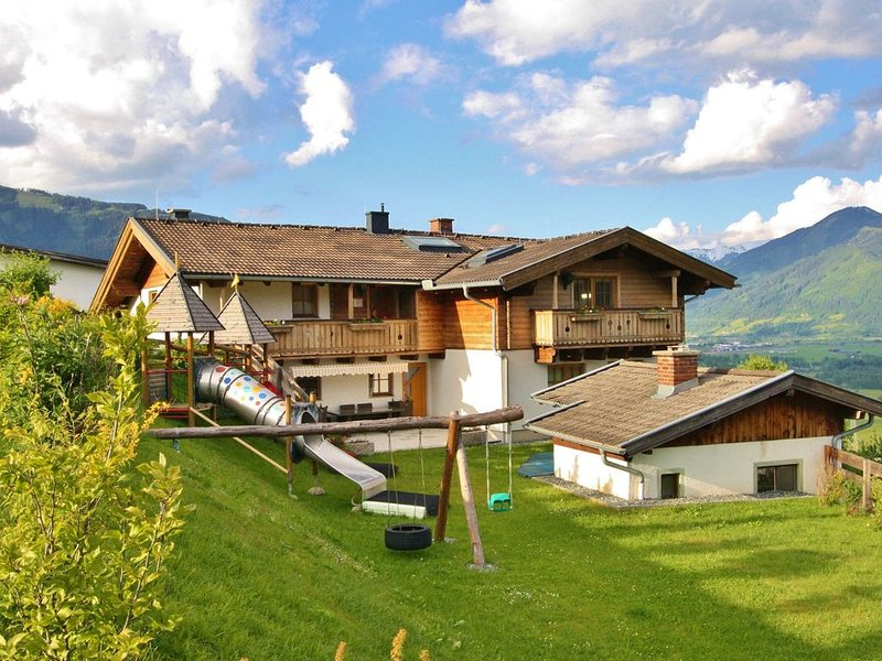 Comfortable Apartment in Kaprun near Ski Lift, holiday rental in Kaprun