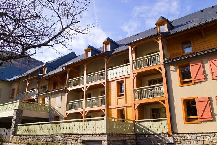 Traditional apartment just 300 m. from the thermal baths – semesterbostad i Azet