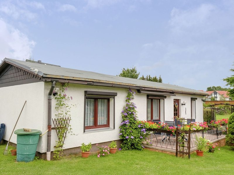 Cozy Holiday Home in Hasselfelde with Private Terrace, holiday rental in Stiege