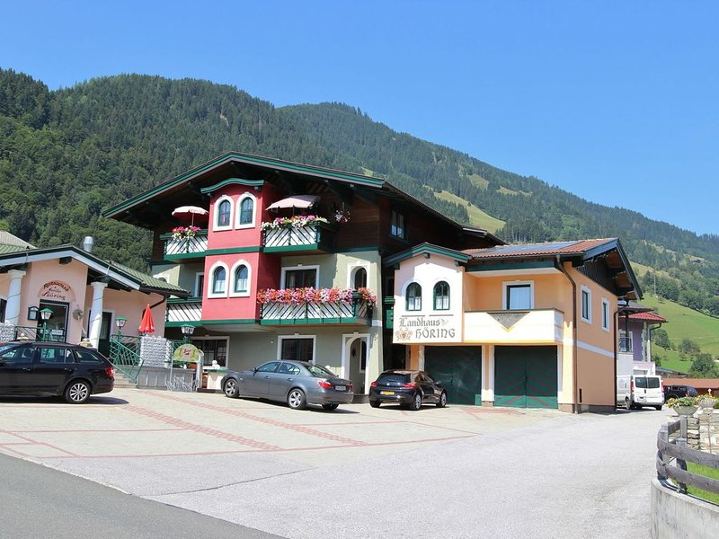 Spacious Holiday Home in Goldegg near Ski Lift, vacation rental in Goldegg