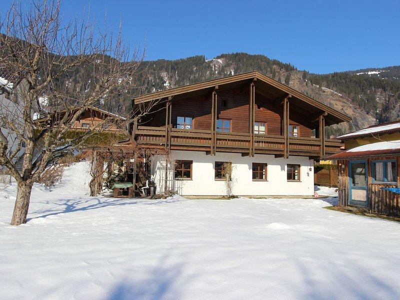 Quaint Mansion with Sauna in Goldegg, holiday rental in Muehlbach im Pinzgau