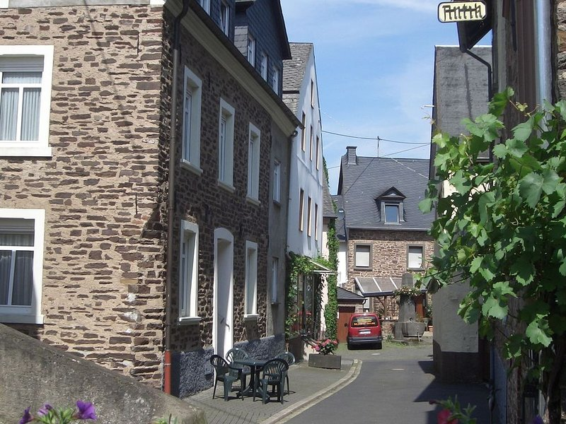 Home for 5 persons in a 1350 years old Mosel town!, location de vacances à Ediger-Eller