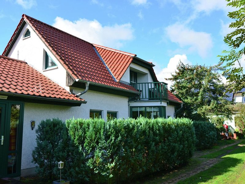 Cozy Holiday Home in Kappe with Balcony, holiday rental in Lindow
