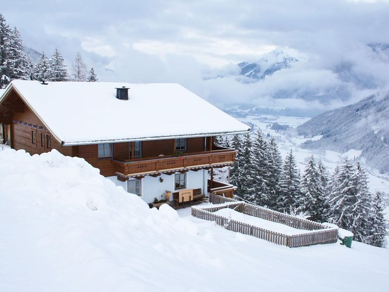 Spacious Apartment near Ski Area in Königsleiten, holiday rental in Zell am See