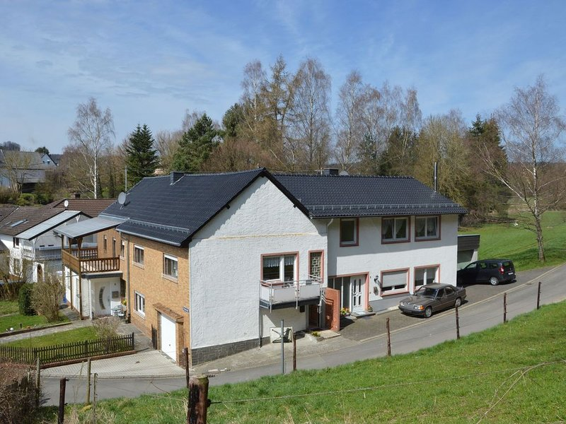 Cozy Apartment in Kerpen with Garden, holiday rental in Pomster