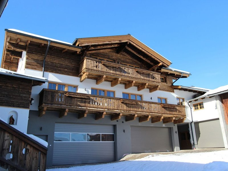 Modern Mansion in Kaprun near Ski Area, location de vacances à Kaprun