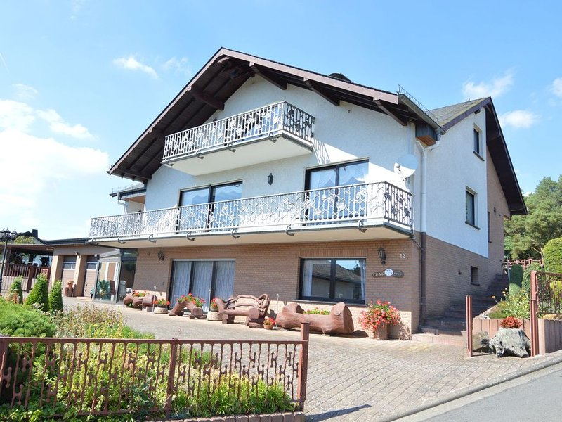 Spacious, comfortable 5-pers. house on the ground floor, location de vacances à Kottenheim